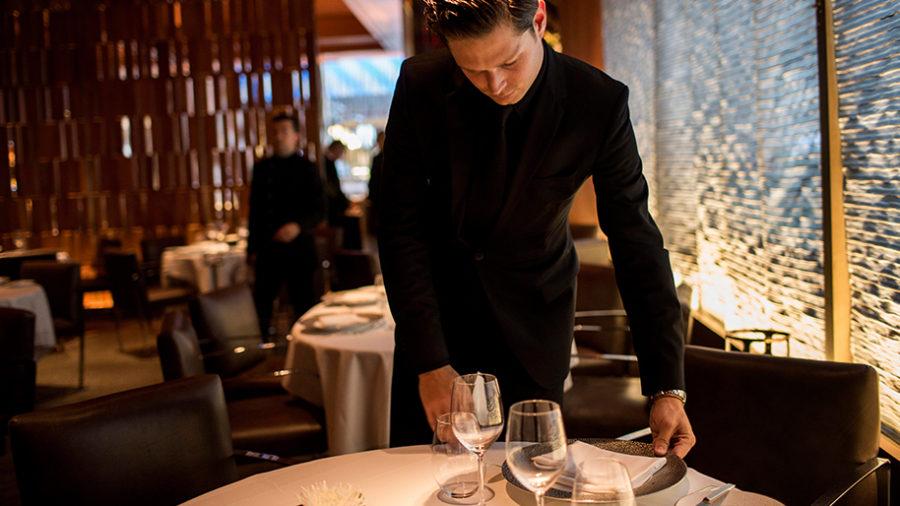 """ホリデーシーズンにぴったりなレストラン """"ル・ベルナルダン"""""""