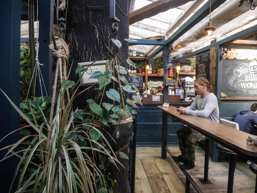 ブルックリンの隠れ家的レストラン:House Of Small Wonder